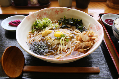 udon with vinegary seaweed, grated yam, ginger